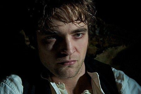 bel-ami-movie-image-robert-pattinson-10