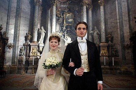bel-ami-movie-image-robert-pattinson-5