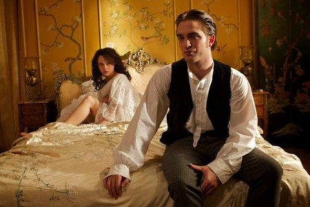 bel-ami-movie-image-robert-pattinson-6