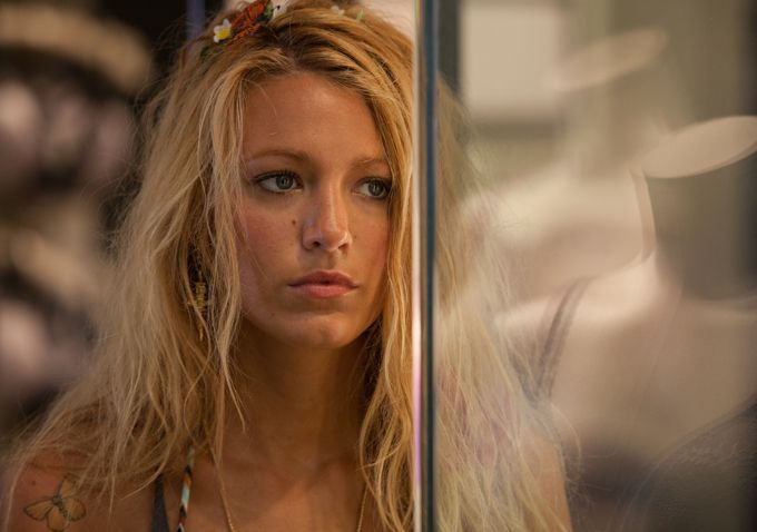 SAVAGES Movie Images Featuring Blake Lively and John ... Blake Lively Movies