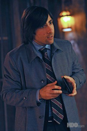 bored_to_death_tv_show_image_jason_schwartzman_03