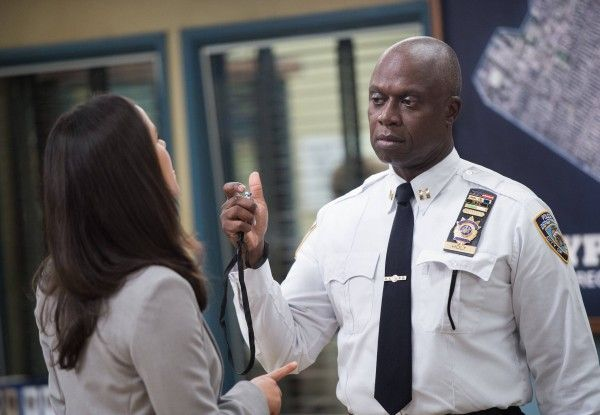 brooklyn-nine-nine-season-2-episode-1-andre-braugher
