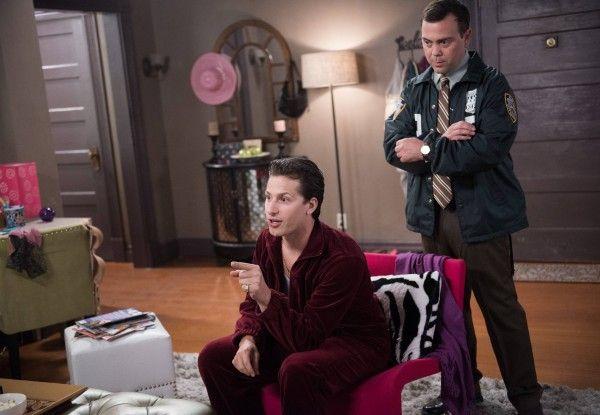 brooklyn-nine-nine-season-2-episode-1-andy-samberg-joe-lo-truglio