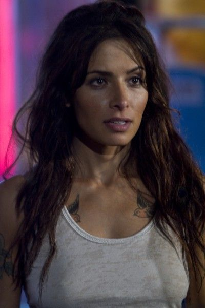 bullet-to-the-head-sarah-shahi