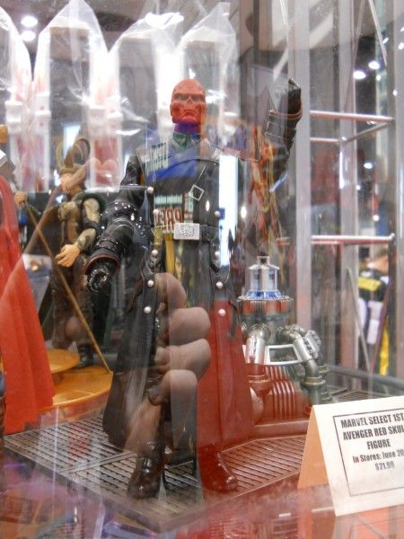 c2e2-captain-america-the-first-avenger-toy-image-1