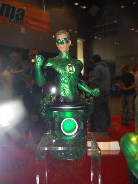 c2e2-green-lantern-movie-toy-image-1