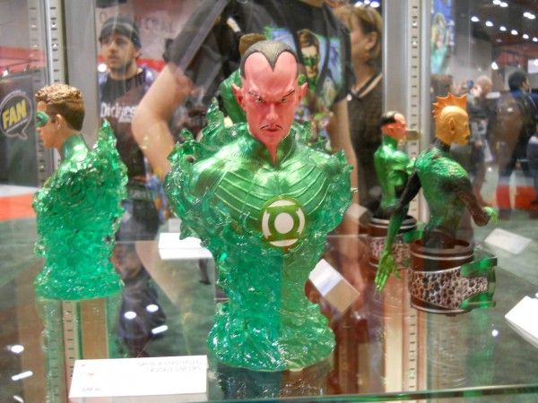 c2e2-green-lantern-movie-toy-image-2