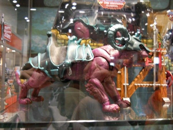 c2e2-masters-of-the-universe-toy-image-2