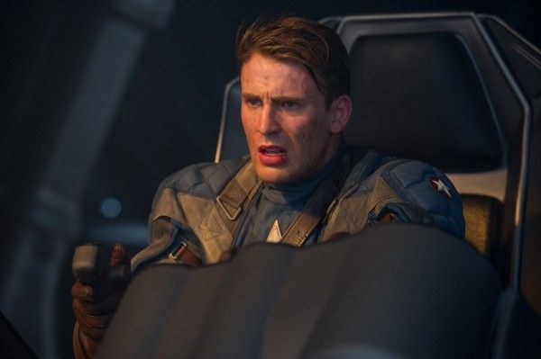 http://cdn.collider.com/wp-content/uploads/captain-america-the-first-avenger-movie-image-71-600x399.jpg