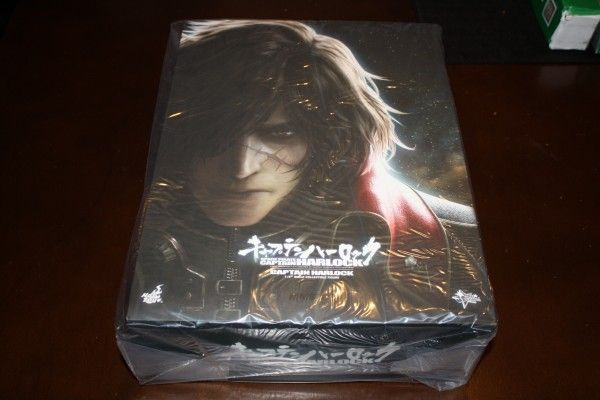 captain-harlock-hot-toys-figure-sideshow-collectibles (2)