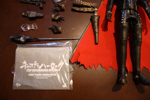 captain-harlock-hot-toys-figure-sideshow-collectibles (22)