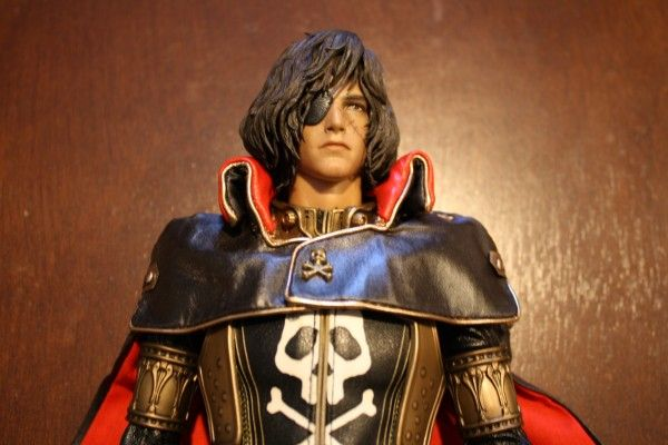 captain-harlock-hot-toys-figure-sideshow-collectibles (23)