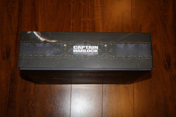 captain-harlock-hot-toys-figure-sideshow-collectibles (4)