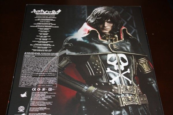 captain-harlock-hot-toys-figure-sideshow-collectibles (6)