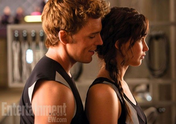 catching-fire-sam-claflin-jennifer-lawrence