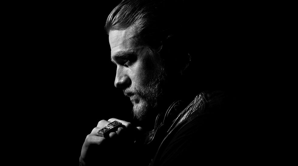 Charlie Hunnam Soa: Sons Of Anarchy Season 7 Details: Kurt Sutter And Paris