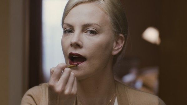 charlize-theron-young-adult-movie-image-1