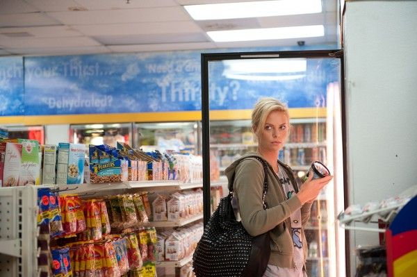 charlize-theron-young-adult-movie-image-4