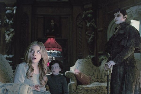 chloe-moretz-johnny-depp-dark-shadows