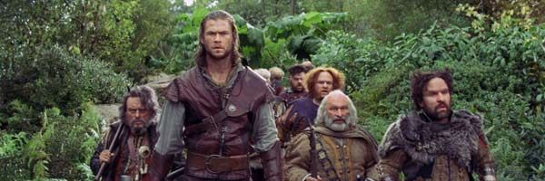 chris-hemsworth-dwarves-snow-white-and-the-huntsman-slice