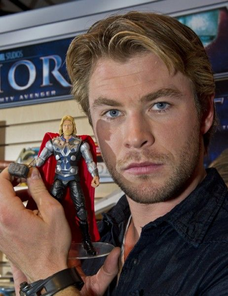 chris-hemsworth-thor-movie-toy