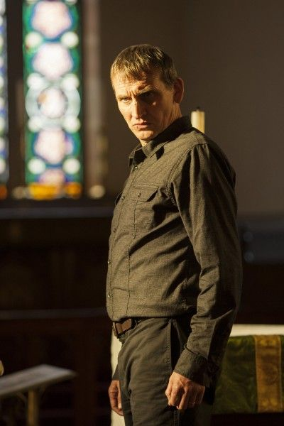 christopher-eccleston-the-leftovers-season-1-episode-3