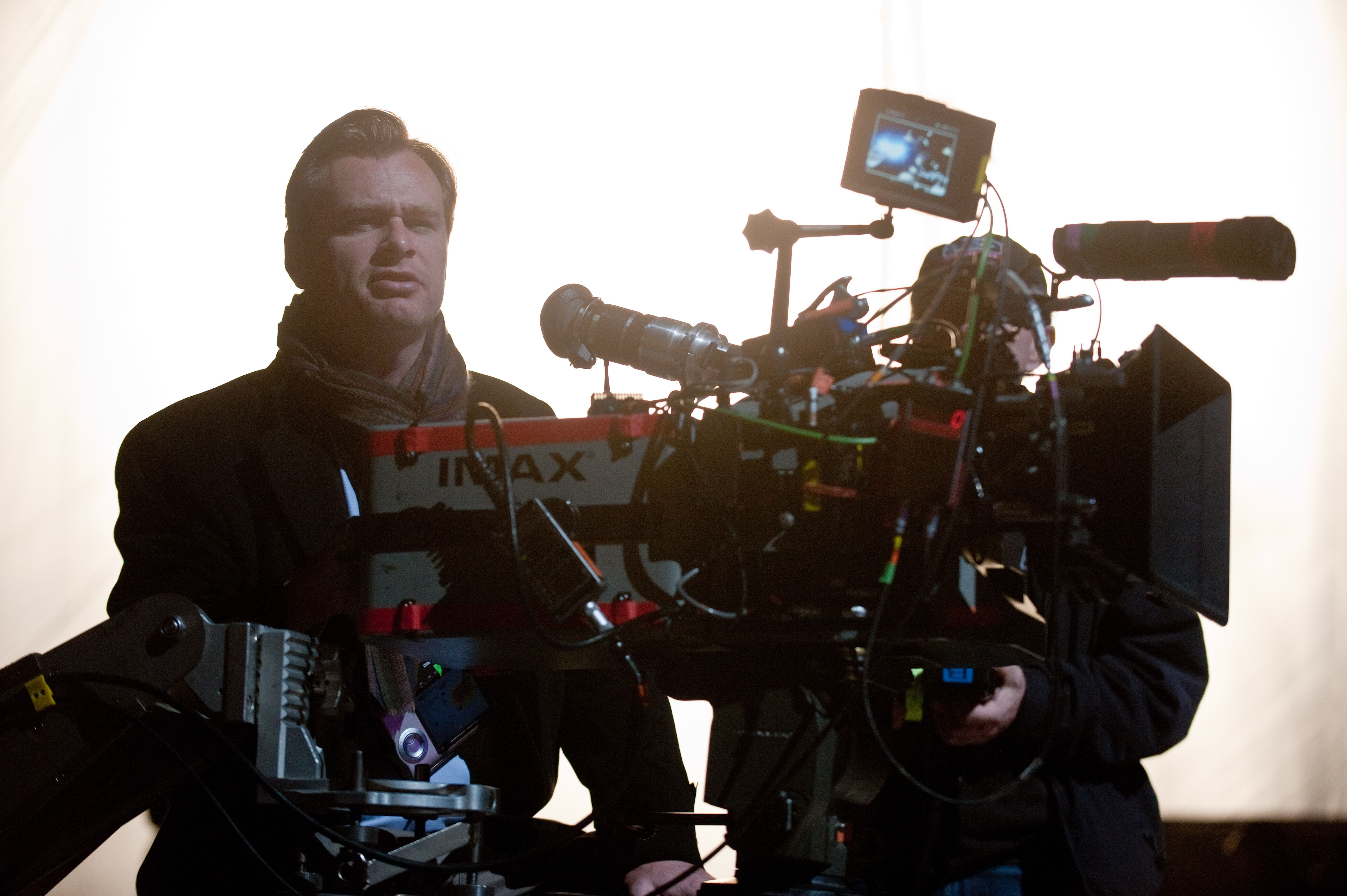 Christopher Nolan Talks Including Catwoman in THE DARK ...
