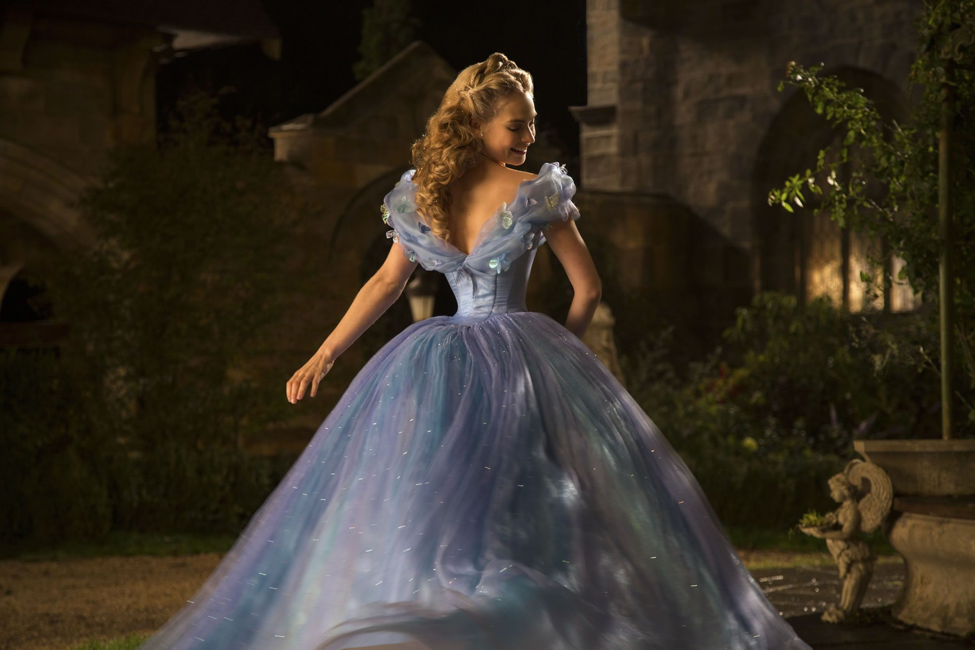 Galerry Review Live Action 'Cinderella With Lily James Cate Blanchett