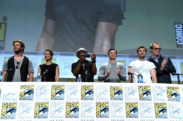 comic-con-avengers-2-cast