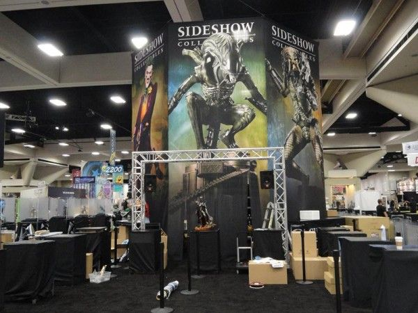 comic-con-sideshow-collectibles-booth