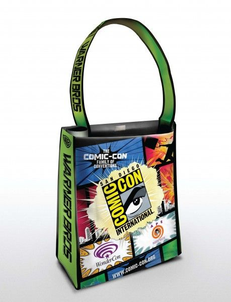 comic-con-warner-bros-oversized-bag