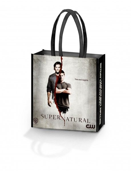 comic-con_warner_bros_oversized_bag_supernatural