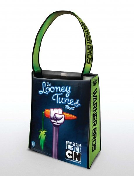 comic-con_warner_bros_oversized_bag_tooney_tunes