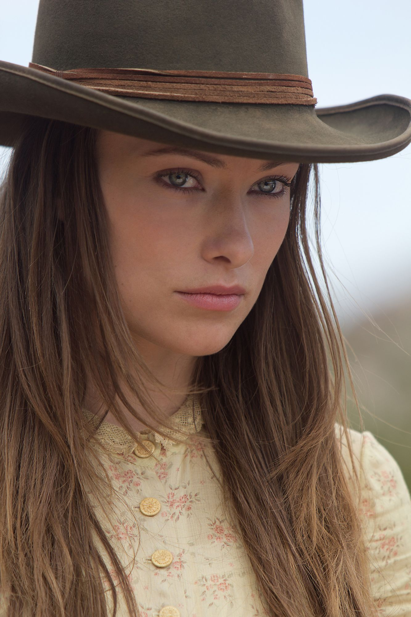 Olivia Wilde Profile And New Pictures 2013: COWBOYS & ALIENS Movie Images Daniel Craig Harrison Ford