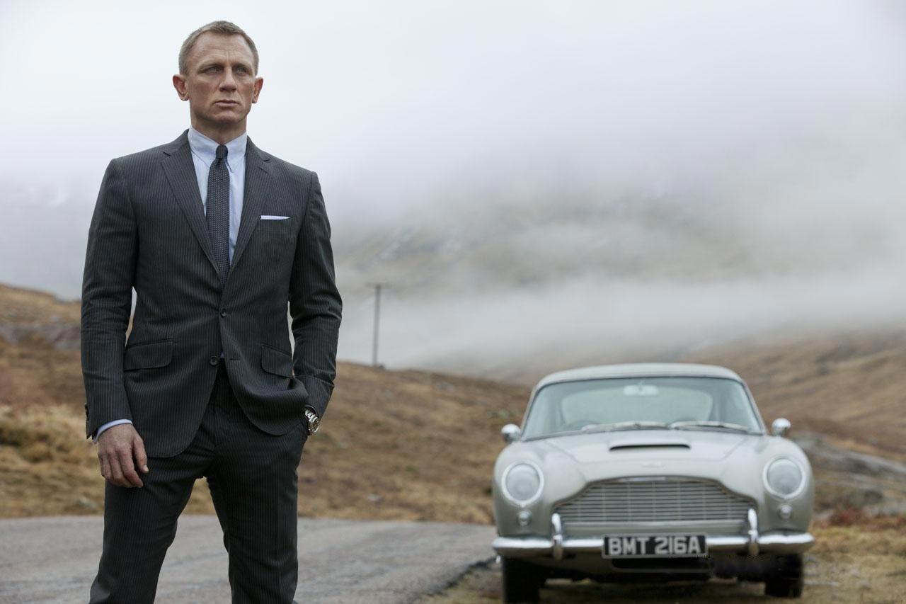 Apple could bid billions on 'James Bond' movies