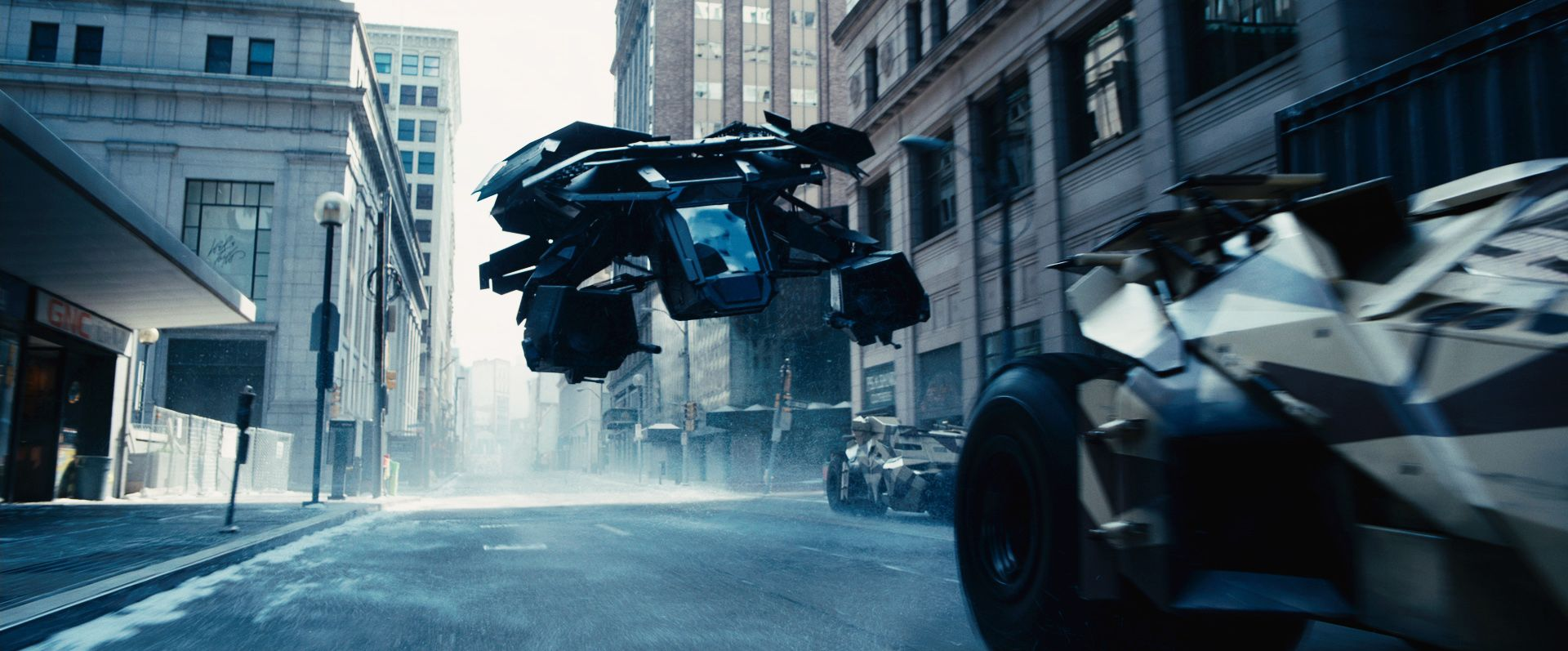 THE DARK KNIGHT RISES Review | Collider