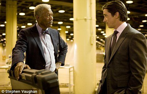 dark-knight-rises-morgan-freeman-christian-bale