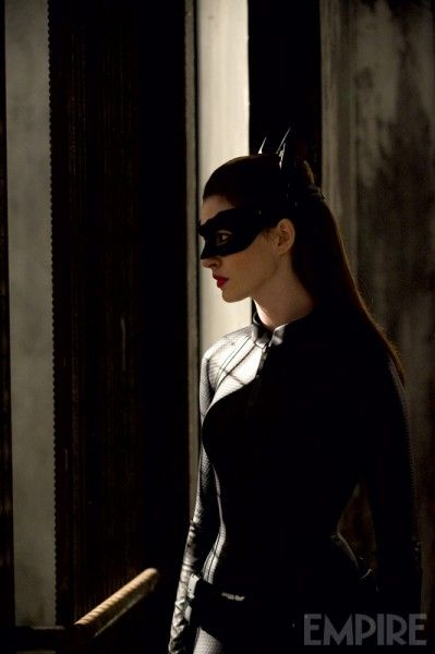 dark-knight-rises-movie-image-anne-hathaway