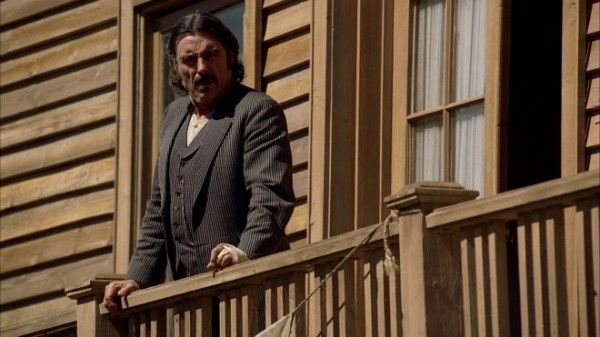 ian-mcshane-the-man-on-carrion-road