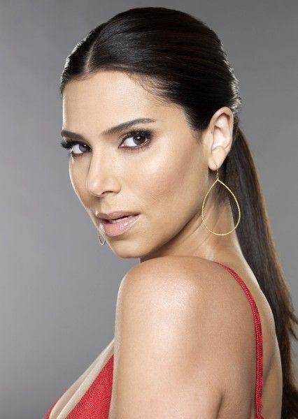 devious-maids-roselyn-sanchez