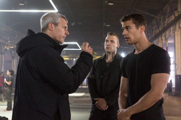 divergent-neil-burger-theo-james-jai-courtney