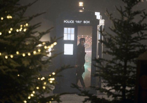doctor-who-the-time-of-the-doctor-matt-smith-tardis
