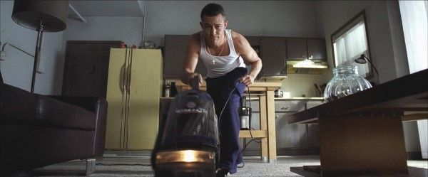 don-jon-joseph-gordon-levitt-vacuum