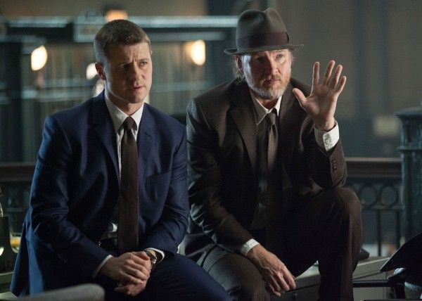 donal-logue-ben-mckenzie-gotham-renewed-fox