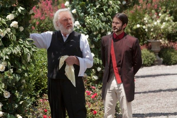 donald-sutherland-wes-bentley-the-hunger-games-image