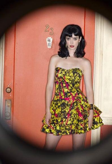 dont-trust-the-b-in-apt-23-krysten-ritter