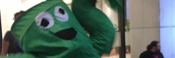 dragon-con-waving-tube-man-slice