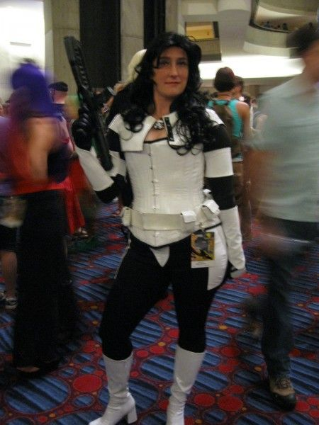 dragoncon-cosplay-lady-stormtrooper