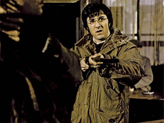 dustin-hoffman-straw-dogs-movie-image-2