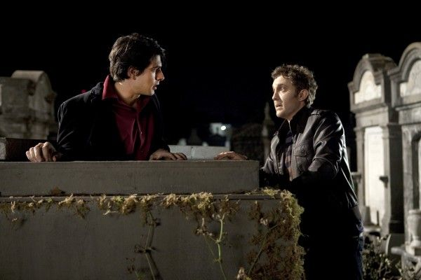 dylan-dog-dead-of-night-brandon-routh-sam-huntington-tomb-01